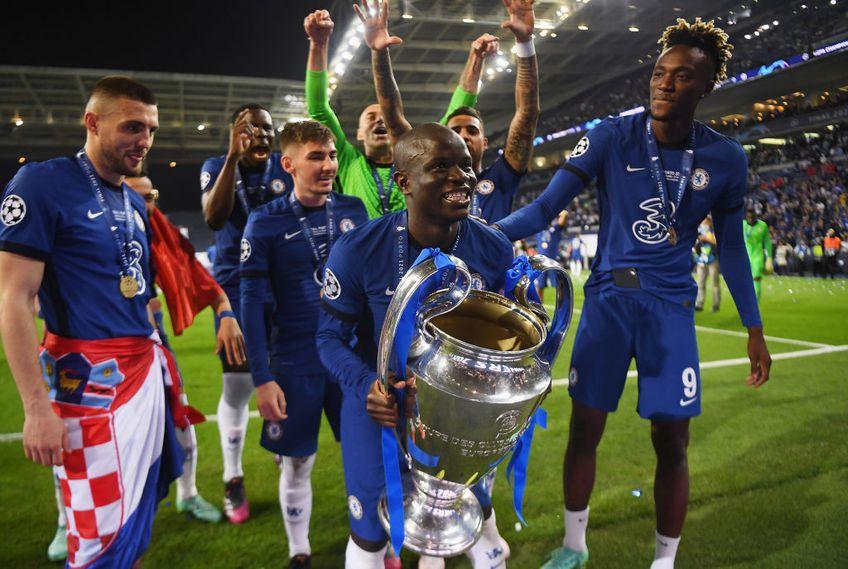Chelsea a învins-o în finala Champions League, ediția 2020-2021, pe Manchester City, scor 1-0. N'Golo Kante (30 de ani), mijlocașul londonezilor, a avut o nouă prestație impresionantă și a fost lăudat de doi fotbaliști legendari.