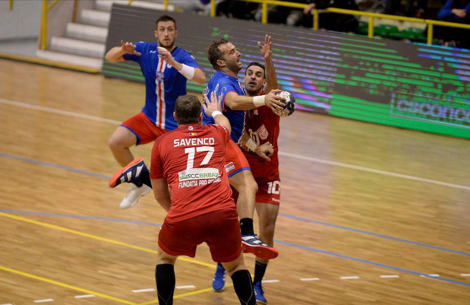 Marius Stavrositu într-un duel de anul trecut al Stelei câștigat contra marii rivale Dinamo FOTO Raed Krishan