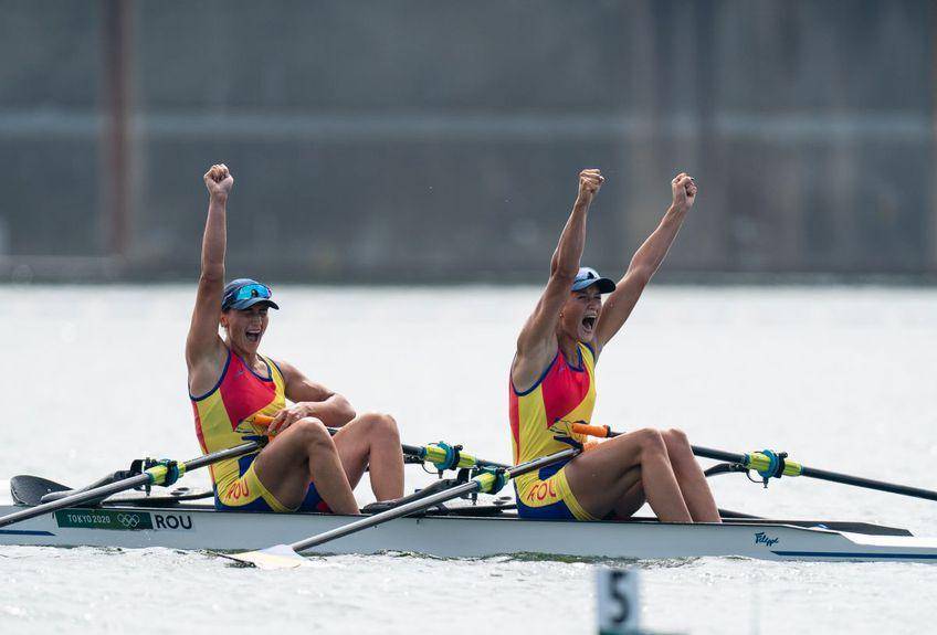 Simona Radiș și Ancuța Bodnar, medaliate cu aur (foto: Raed Krishan - Tokyo)