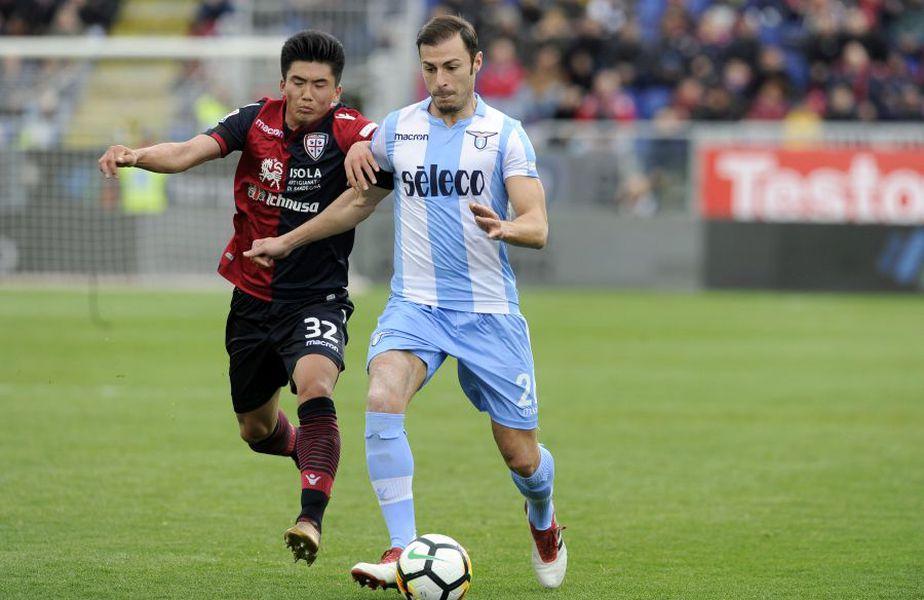 Han Kwang-Song (stânga), la Cagliari, într-un meci cu Lazio // foto: Guliver/gettyimages