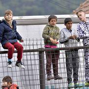 Copiii din Zărnești nu au putut rata șansa de a vedea iar fotbal live