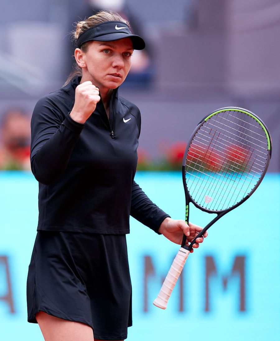 Simona Halep cu pumnul strâns în meciul contra Sarei Sorribes Tormó Foto Mateo Villalba