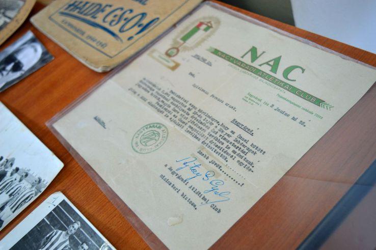 Așa arăta contractul unui jucător în 1943, pe când echipa purta numele Nagyváradi Atletikai Club