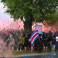 CS Afumați - CSA Steaua, returul barajului pentru promovarea în Liga 2, se joacă azi, de la ora 17:30. Peste 600 de fani ai oaspeților au fost blocați de jandarmi, la 200 de metri de stadion.