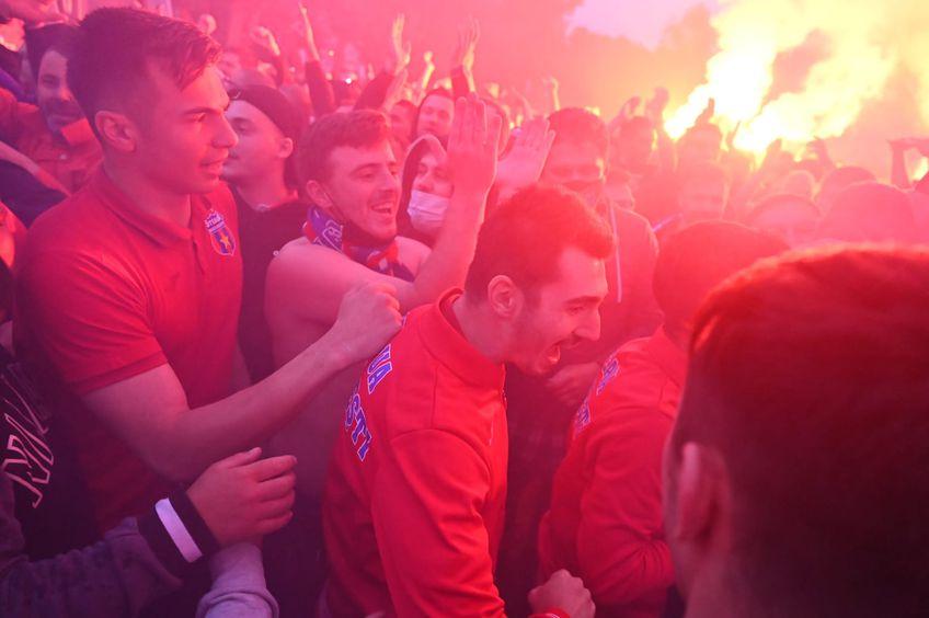 CSA Steaua a promovat în Liga 2! Fanii roș-albaștri s-au strâns în Ghencea, pentru a sărbători momentul.