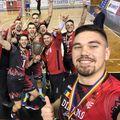 Selfie alb-roșu cu Cupa României FOTO Facebook Dinamo