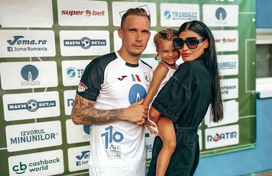 Lukas alături de soție și de fetița lor, în așteptare unui nou membru al familiei FOTO Facebook