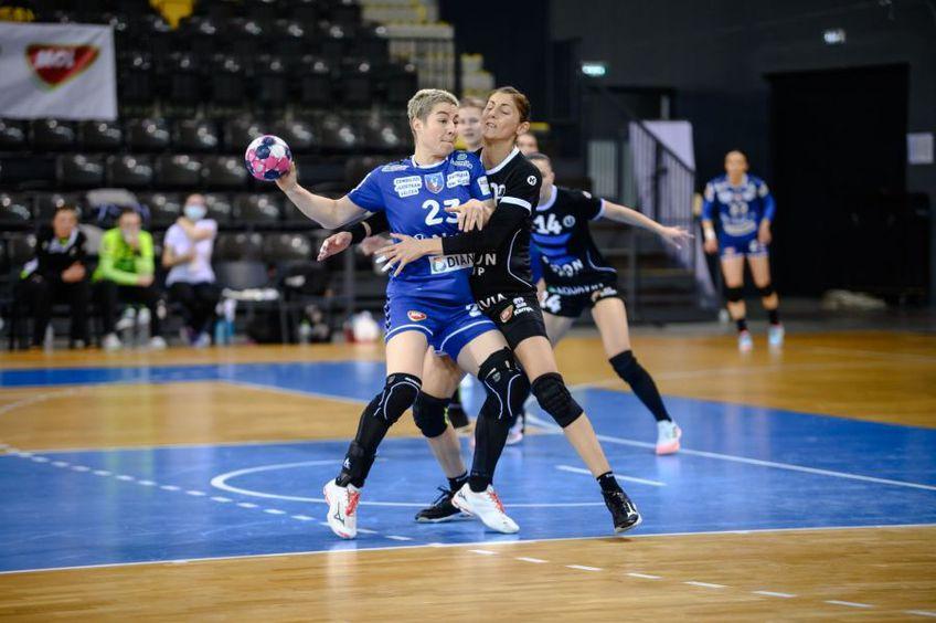 Irina Glibko în duel cu Florina Chintoan FOTO Dan Potor