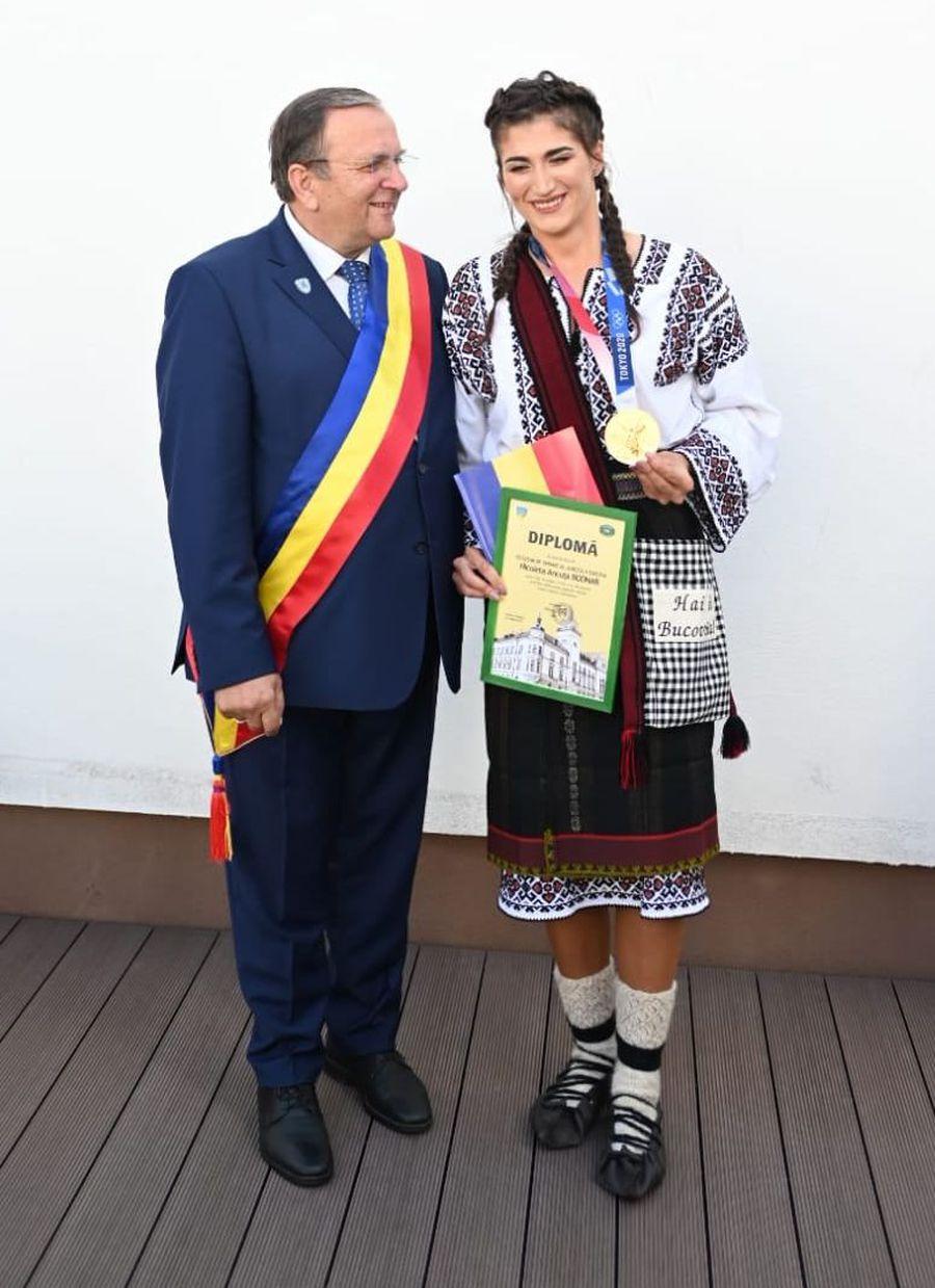 Medaliații olimpici din Suceava, premiați de Consiliul Județean » Cum a venit îmbrăcată campioana olimpică Ancuța Bodnar