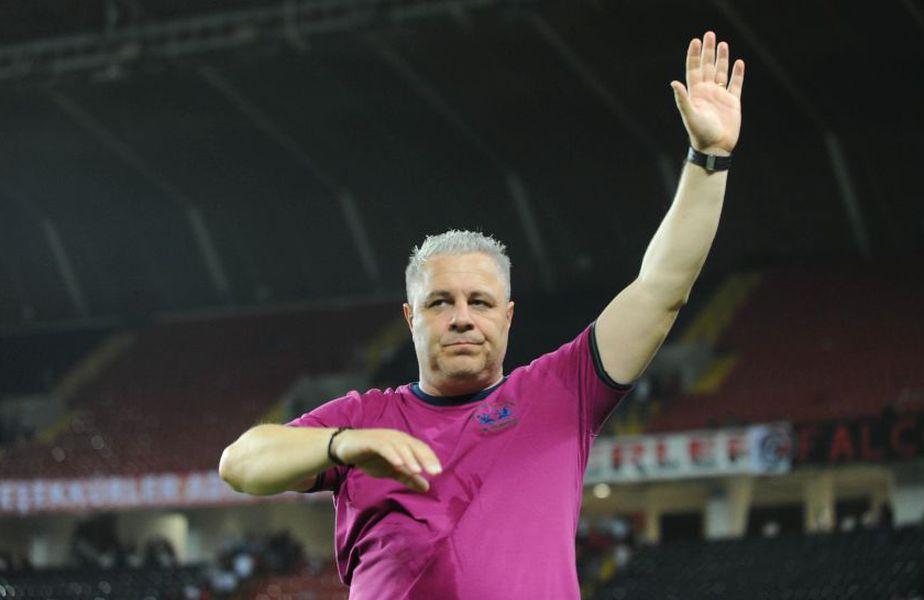 """Marius Șumudică (49 de ani), antrenorul lui Gaziantep, a fost desemnat cel mai bun tehnician al anului în Turcia de către publicația de specialitate """"Futbol Arena""""!"""